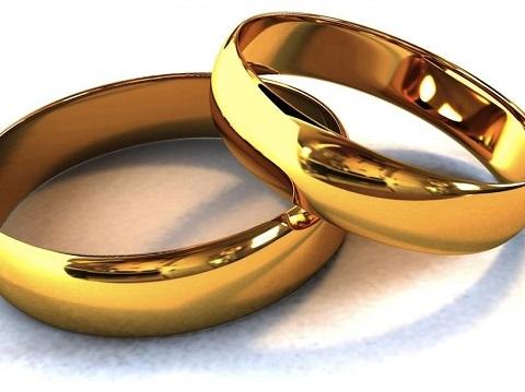 Не делайте это с обручальными кольцами. Иначе Ваш брак развалится.