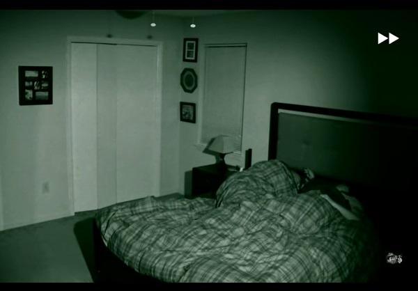 Мужчина установил дома видеокамеру. Наутро он увидел кадры, которые потрясли весь мир.